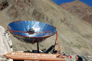 Paraboloidal solar cooker.